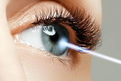 Clinica-Oftalmologica-en-La-Roma-Norte-Oftalmologos-en-Mexico-Especialistas-en-Cirugia-Laser-de-Ojos-Lasik-v002-compressor-300x200@2x