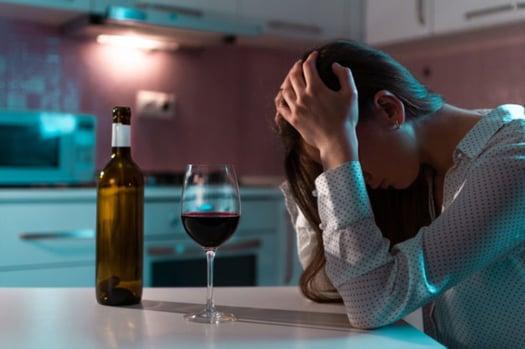 alcohol_adulterado_en_cuarentena.jpg_393767600
